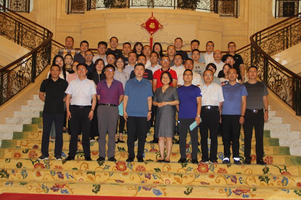 必威体育官方网页公司组织开展管理提升培训